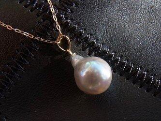 大粒バロックのアコヤ真珠のペンダントトップ(K18YG)(※チェーン別売り)の画像
