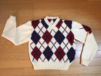 手編み☆クリーム色に紺×赤模様の入ったアーガイルセーターの画像