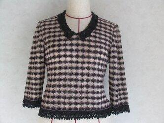 《値下しました》シックな色の春先のセーターの画像