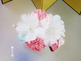 着物 髪飾り 成人式 卒業式 白ピンク系 和 振袖 ヘアアクセサリー 花の画像