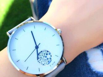 ユニセックス オープンダイヤル腕時計 グレー<q-002>の画像