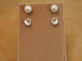 あこや真珠&ホワイトトパーズ チャームピアスの画像