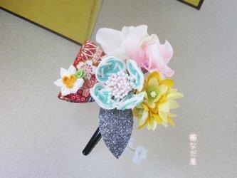 着物 髪飾り 水引花 和装 振袖 ヘアクリップ 入学式 卒業式 成人式の画像