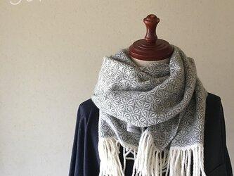 [再販]手織りオーバーショットカシミヤマフラー gray の画像