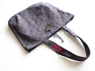 帯地バッグ - 花刺繍 –の画像