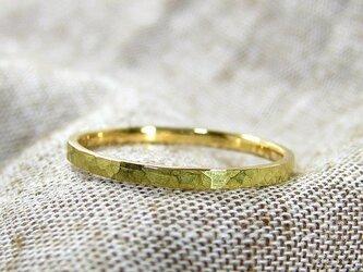 華奢なリング、K18ゴールド、ハンマー仕上げ (Adrable)の画像