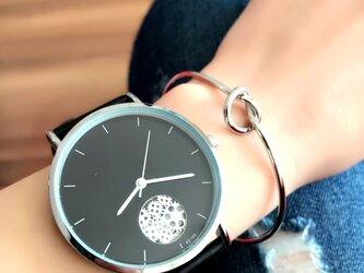 ユニセックス オープンダイヤル腕時計 ブラック<q-011>の画像
