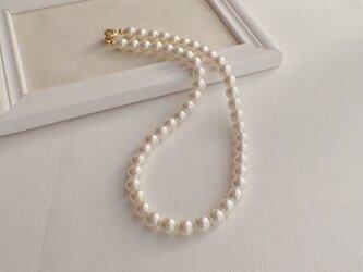 ホワイトパールネックレスの画像