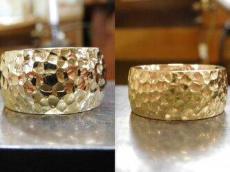結婚指輪 手作り(鍛造&彫金)【K18ゴールド・鬼極太の槌目リング】男性12mm 女性10mm ペアで圧倒的な55gの画像