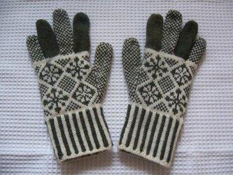 ◆◇花と雪模様の編み込み手袋◇◆(オリーブグリーン)の画像
