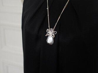 「水結ぶ花」ネックレスの画像