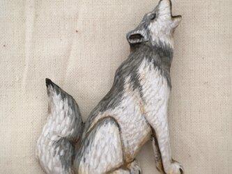 ブローチ オオカミの画像