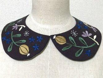 手刺繍つけ襟(濃紫)の画像