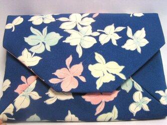 正絹 数寄屋袋 花々の小紋 クラッチバッグ ご祝儀袋も入りますの画像