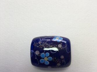 とんぼ玉*つる花模様の帯留*群青の画像