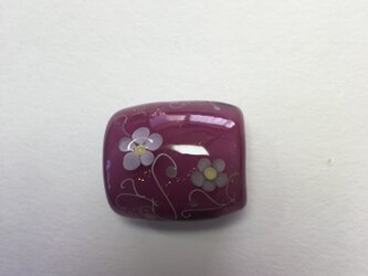 とんぼ玉*つる花模様の帯留*あかむらさきの画像