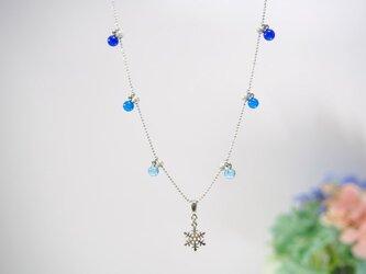 雪の結晶のネックレス の画像