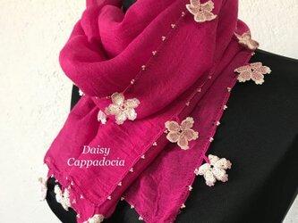 レースの花付き ふんわりストール(綿混合)ベリーピンクの画像