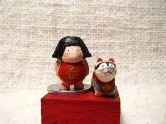 小さな小さな金太郎と小さな小さな犬張子(木彫り)の画像