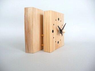 2枚重ねの桧のお木時計の画像