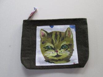 グリーンアイのネコちゃんのポーチの画像