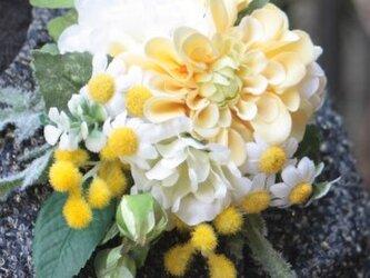 春の新作☆幸せの黄色いコサージュ ~ダリア~の画像