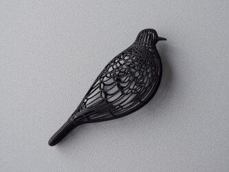 ハト 黒 ブローチの画像