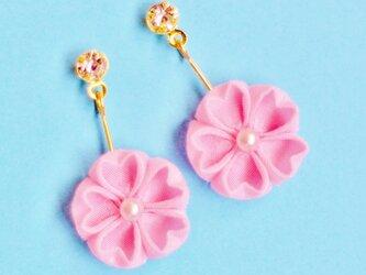 はんなり桜のストーン付きピアス ピンクの画像