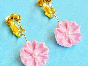 はんなり桜のイヤリング ピンクの画像