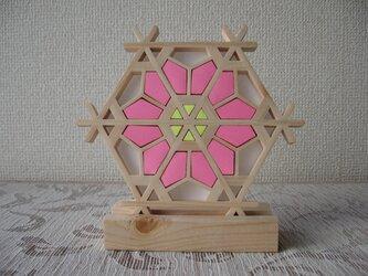 組子細工 置き飾り ピンク お雛祭り向き【面取り加工済みでお子様にも安心・安全】の画像
