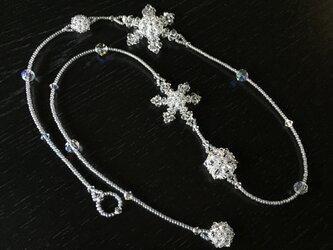 【スワロフスキー・クリスタル】雪の結晶のロングネックレスⅡの画像