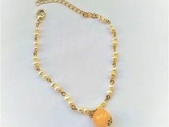 オレンジムーンストーンの淡水パールネックレスの画像