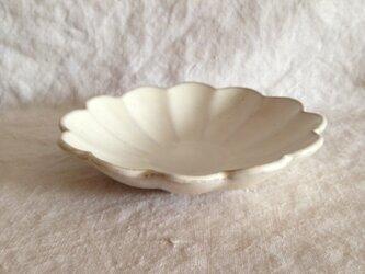 輪花深皿 (アンティークホワイト)の画像
