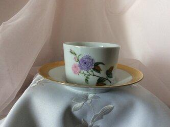 ボタニカルアートのバラと金盛りの葉のコーヒーカップ&ソーサーの画像