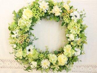 小花のグリーンリースの画像