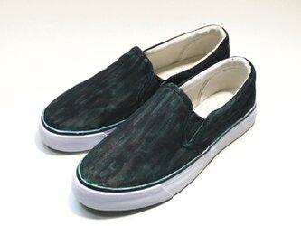 シャビーな緑青の靴の画像