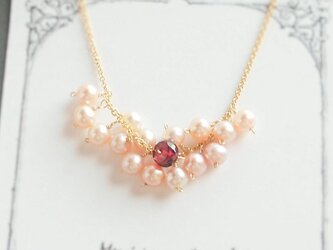 〈14kgf〉ピンク淡水パールのネックレスの画像