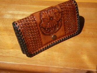 レザーカービングの本革(牛革)スマートフォン等携帯ケースの画像