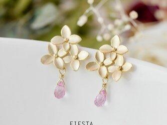 花とピンクトパーズの一雫 ピアス(+料金でイヤリング可)の画像