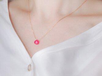 14kgf/ビビッドピンクカルセドニーの一粒ネックレスの画像