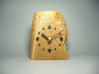栗の木のかけ時計の画像