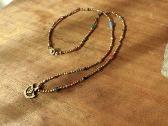*メタルビーズ(真鍮)のネックレス。4の画像