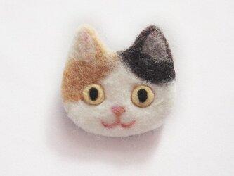 猫顔フェルトブローチ(みけ)の画像