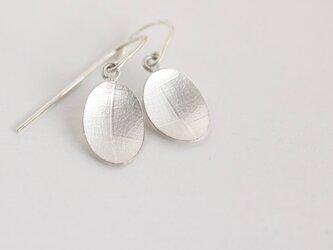 Oval vein earrings オーバル葉脈ピアスの画像