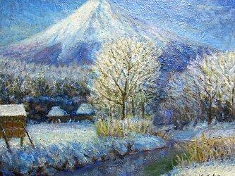 新名庄川と富士の画像