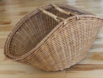 扇型バスケットの画像
