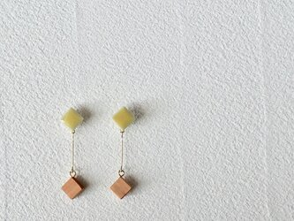 """タイルとサクラ""""pin"""" 菜の花 イヤリング の画像"""
