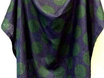 おくるみに使える授乳ケープWガーゼ  ネイビー×ドットグリーン 綿100%の画像