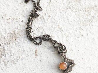 うごめきプチネックレス オレンジムーンストーンの画像