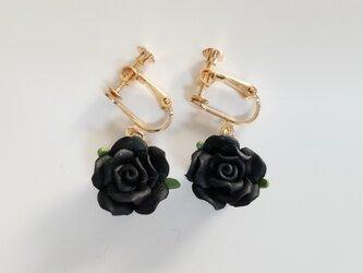 黒バラ イヤリング ブラックの画像